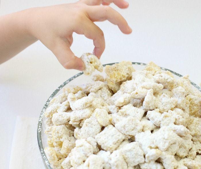 Banana-Cream-Pie-Muddy-Buddies.BSB_.IMG_1058-1